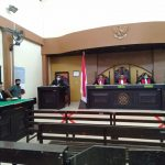 Beralasan Menghadiri Acara di Polres Sumbawa Barat, Terdakwa YB Dan Pengacara Tidak Hadir Dipersidangan