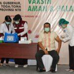 Setelah Divaksin, Gubernur NTB Yakinkan Vaksin Aman dan Halal